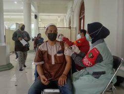 Siapkan 1.200 Dosis, Polresta Malang Kota Gelar Vaksinasi di Masjid Jami'