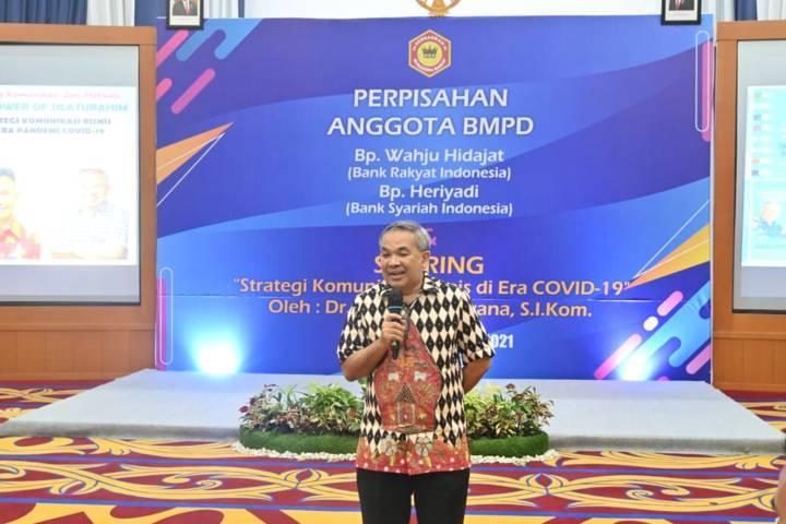 Pakar Komunikasi dan Motivator Nasional Dr Aqua Dwipayana saat Sharing Komunikasi dan Motivasi yang diselenggarakan BMPD di Padang, Sumbar, Selasa sore (07/09/2021).(Foto: Dokumen/Tugu Jatim)