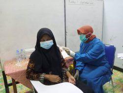 Persiapan Sekolah Tatap Muka, Kodim 0811 Tuban Gelar Serbuan Vaksinasi untuk Santri hingga Pelajar