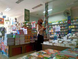 Penjualan Buku di Bojonegoro Meningkat hingga 50 Persen
