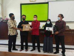 Paramitra Jawa Timur dan AusAID Beri Ratusan Alat Bantu pada Difabel Netra Kabupaten Tuban