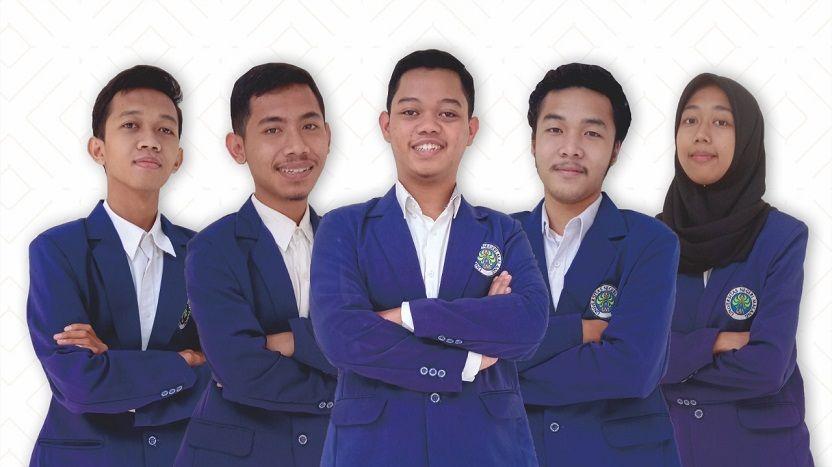 Lima mahasiswa UM yang mengembangkan aplikasi bahasa Jawa bernama Jawi