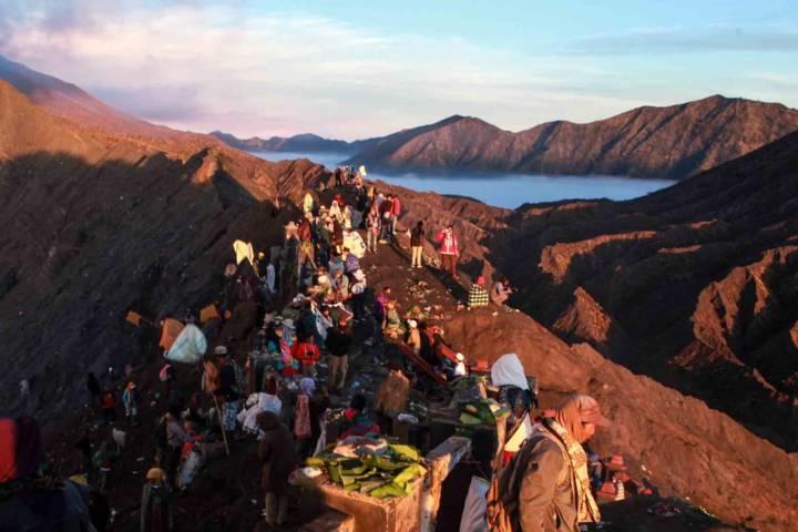 Kawasan wisata Gunung Bromo yang sudah kembali buka meski masih terbatas. (Foto: Bayu Eka/Tugu Jatim) tnbts semeru