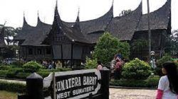Taman Mini Indonesia Indah, sebagai salah satu lokasi wisata yang dibuka untuk uji coba/tugu jatim