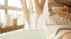 Ilustrasi orang mau mandi/tugu jatim