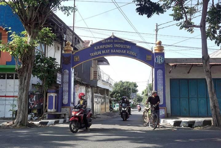 Pokdarwis Tenun Ikat Bandar Kidul Kota Kediri. (Foto: Dokumen/Tugu Jatim)