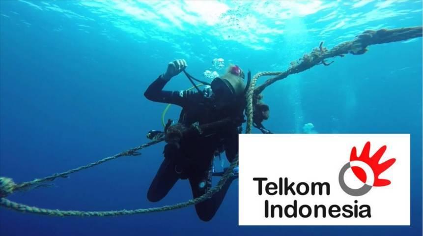 Ilustrasi perbaikan kabel bawah laut milik Telkom Group yang sempat rusak dan menjadikan layanan internet milik Telkom dan Telkomsel down. (Foto: Dokumen) tugu jatim