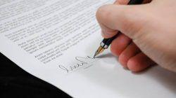 Ilustrasi penandatanganan akta cerai. (Foto: Pexels) pengadilan agama bojonegoro tugu jatim