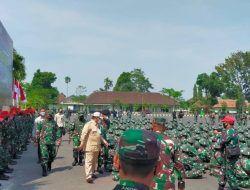 Menhan Prabowo Kunjungi Siswa Komcad di Kota Malang