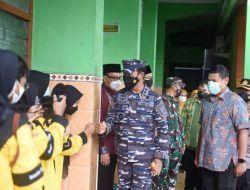 Pangko Armada II TNI AL Gelontor 2.000 Dosis Vaksin, Wali Kota Kediri Sampaikan Apresiasi