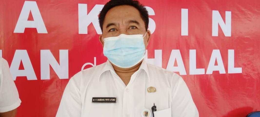 Kepala Dinas Kesehatan Kabupaten Tuban, Bambang Priyo Utomo saat ditemui awak media usai kegiatan vaksinasi di bulan Maret 2021 lalu. (Foto: Moch Abdurrochim/Tugu Jatim) kasus covid-19