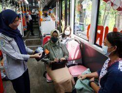 Naik Suroboyo Bus, Kini Cukup Tempel Kartu Flazz Layaknya di Tol