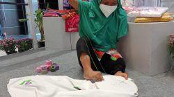 Wahyu Nasipah, difabel daksa yang tetap semangat belajar di Dinsos Jatim. (Foto: Dokumen/Tugu Jatim)