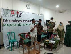 Unusia Jakarta Bagikan 750 Meja Belajar Aman Covid pada TPQ-RA di Tuban
