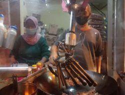 Viral, Penjual Nasgor di Malang Aduk Nasi Pakai Mesin