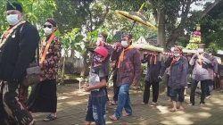 Para warga dan peziarah di Kompleks Pesarean Ki Ageng Gribig Kota Malang menggelar Festival Rumat Ramut Wulan Mulud pada Jumat (22/10/2021). (Foto: Dokumen/Tugu Jatim)