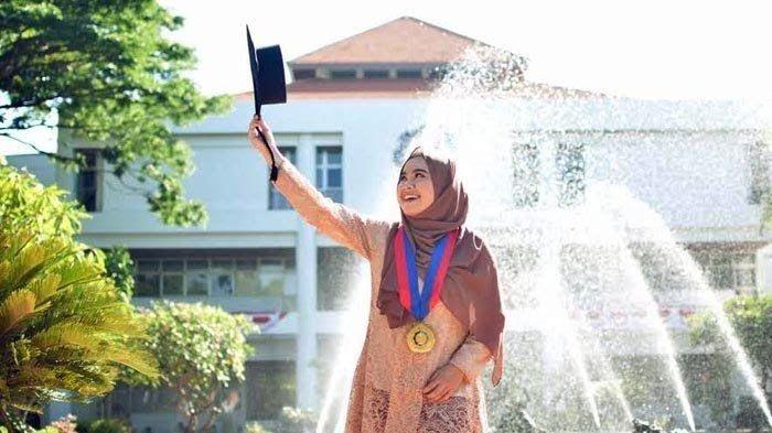 Diva Kurnianingtyas, meraih gelar doktor di usia 24 tahun.