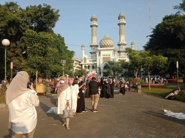 Suasana Alun alun Kota Malang, salah satu taman kota di Bhumi Arema. (Foto: M Sholeh/Tugu Malang/Tugu Jatim)