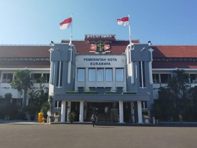 Balai Kota Surabaya. (Foto: Dokumen/Pemkot Surabaya) tugu jatim