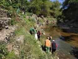 DLH Bojonegoro Ajak Masyarakat Galakkan Bersih-bersih Sampah di Sungai