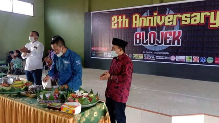 Perayaan hari ulang tahun Blojek Trenggalek yang ke-2 yang digelar di Balai Desa Kedungsigit, Kecamatan Karangan, Kabupaten Trenggalek, Minggu (10/10/2021). (Foto: M Zamzuri/Tugu Jatim)