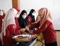 Komoditas Jagung Melimpah, Mahasiswa IAINU Tuban Sosialisasi Pengolahan Jagung Keriting