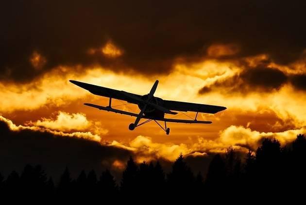 Ilustrasi pesawat dan kecelakaan pesawat. (Foto: Pixabay) kecelakaan pesawat smart air papua tugu jatim