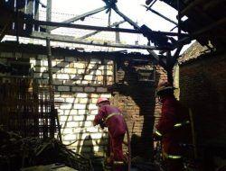 Bakar Jerami untuk Hangatkan Ternak, Dapur Warga di Bojonegoro Hangus Terbakar