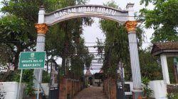 Kompleks Makam Mbah Wastu di Dusun Banaran Kecamatan Bumiaji Kota Batu. Beliau dikenal sosok pendiri atau babat alas Kota Batu. (Foto: M Ulul Azmy/Tugu Malang/Tugu Jatim) sejarah kota batu