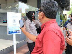 Masuk Polres Tuban Kini Wajib Pakai Aplikasi PeduliLindungi